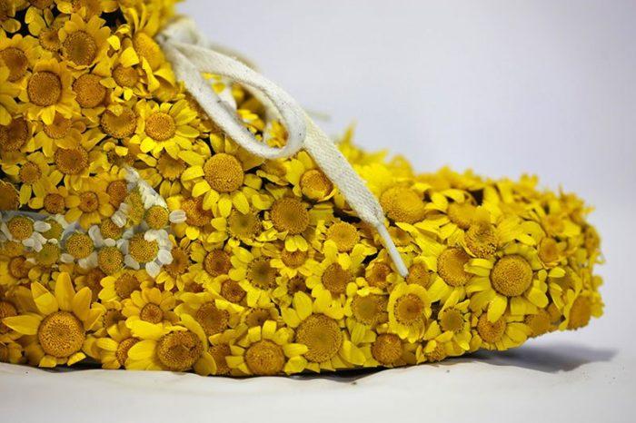 scarpe-nike-trasformate-ricoperte-piante-christophe-guinet-05