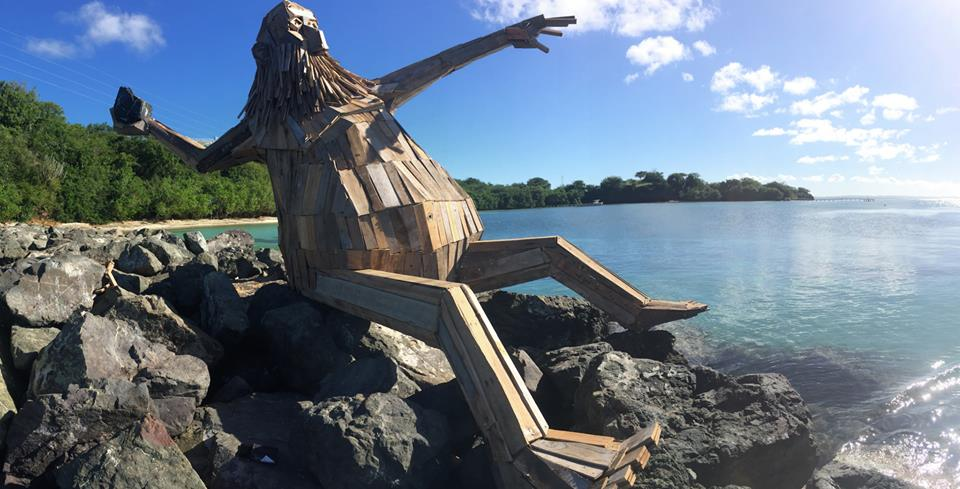 sculture-giganti-legno-materiale-riciclato-thomas-dambo-3