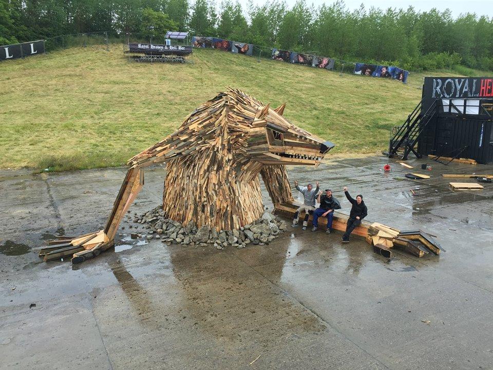 sculture-giganti-legno-materiale-riciclato-thomas-dambo-6
