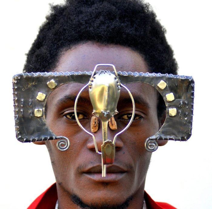 sculture-occhiali-cyberpunk-arte-cyrus-kabiru-03