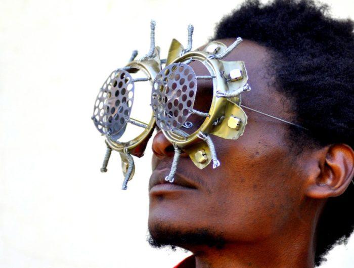 sculture-occhiali-cyberpunk-arte-cyrus-kabiru-05