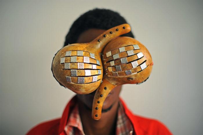 sculture-occhiali-cyberpunk-arte-cyrus-kabiru-09