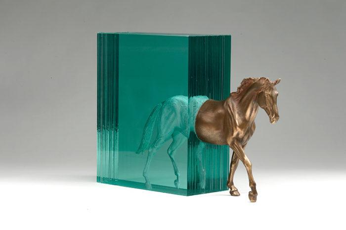 sculture-vetro-strati-acqua-mare-ben-young-02