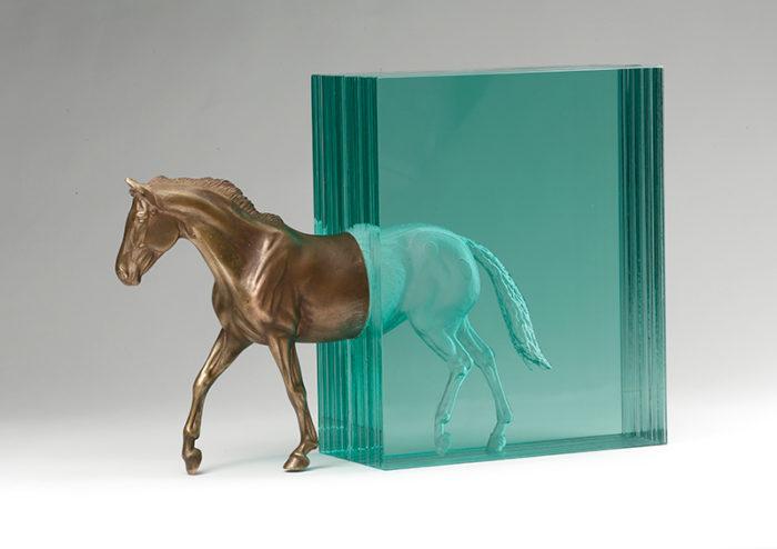 sculture-vetro-strati-acqua-mare-ben-young-03