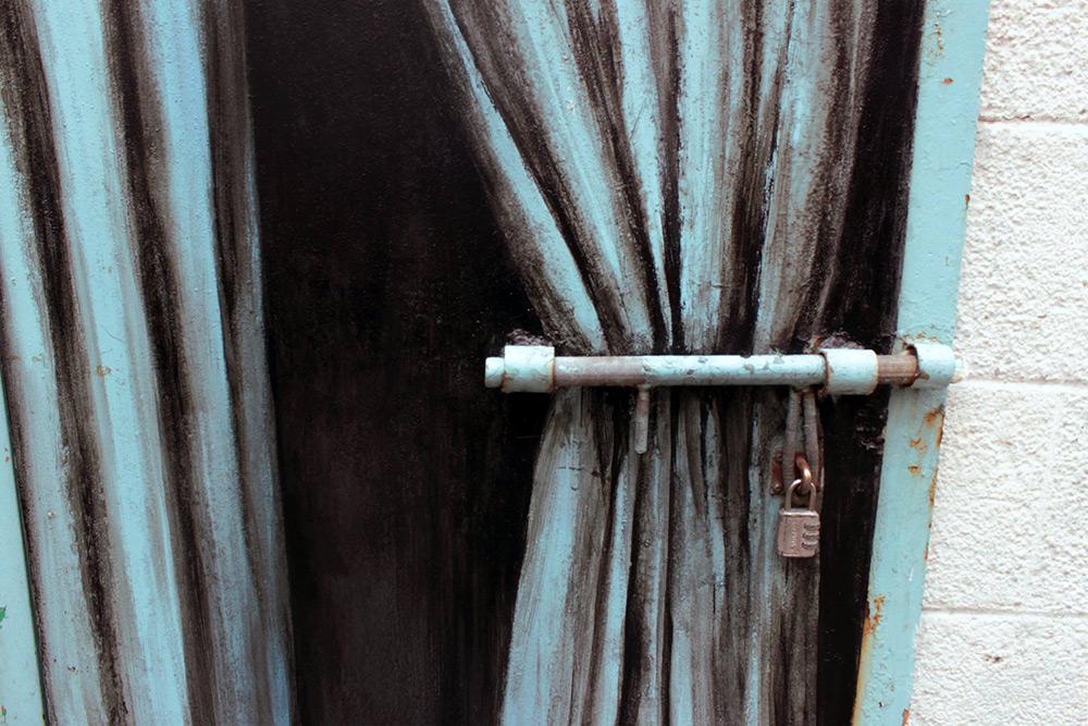 street-art-pejac-tokyo-hong-kong-seul-arte-murales-6