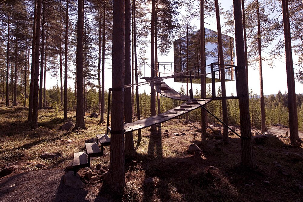 albergo-hotel-treehotel-casa-su-albero-harads-svezia_mirror_cube_exterior_22a-k