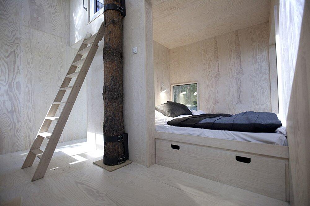 albergo-hotel-treehotel-casa-su-albero-harads-svezia_mirror_cube_interior_8a-k