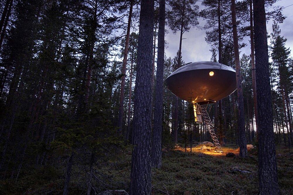 albergo-hotel-treehotel-casa-su-albero-harads-svezia_ufo_exterior_1a-k