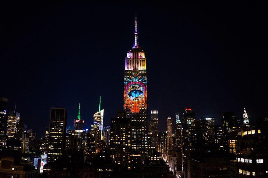 animali-pericolo-estinzione-immagini-proiettate-empire-state-building-new-york-13