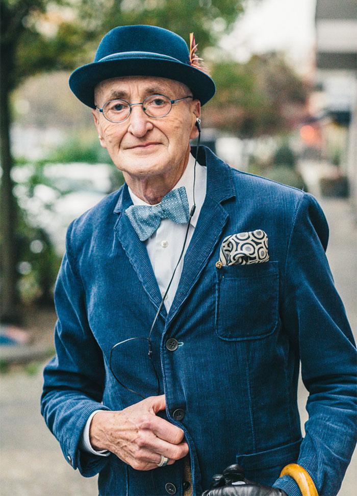 anziano-104-anni-veste-moda-03