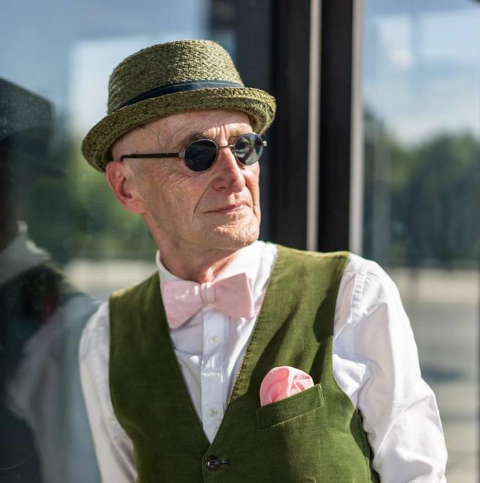 anziano-104-anni-veste-moda-09