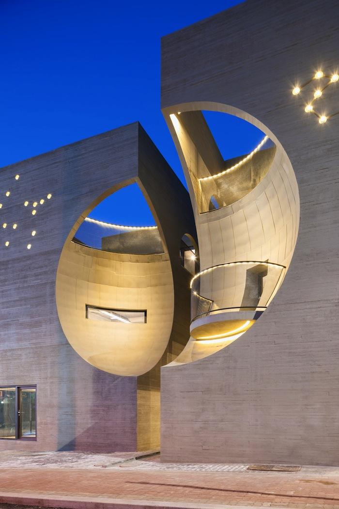 architettura-edificio-congiunzione-due-lune-moon-hoon-11