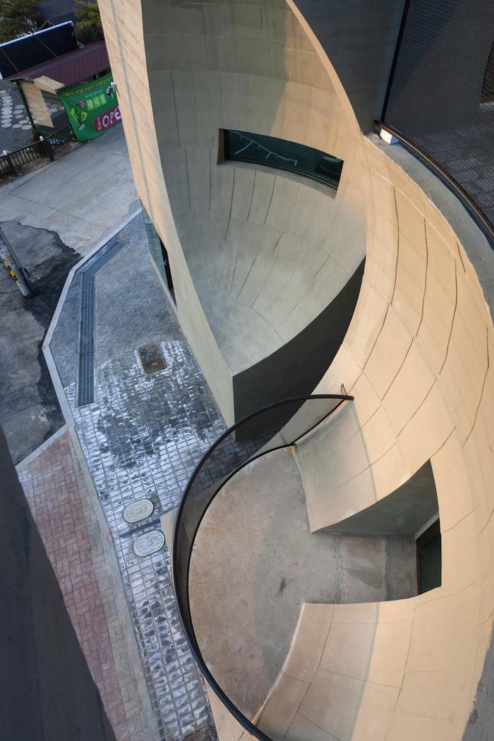 architettura-edificio-congiunzione-due-lune-moon-hoon-12