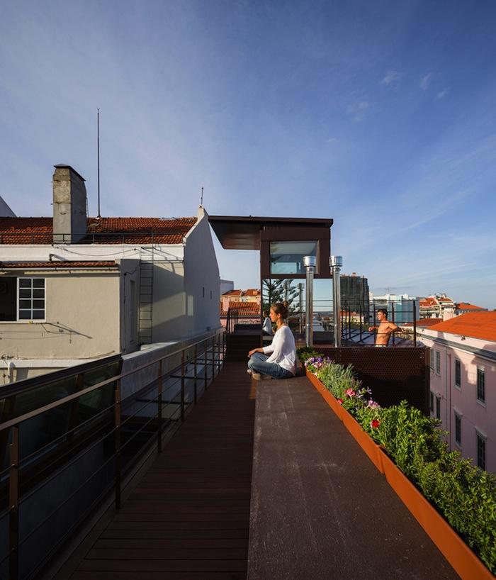 architettura-sostenibile-casa-facciata-piante-portogallo-house-travessa-do-patrocinio-09