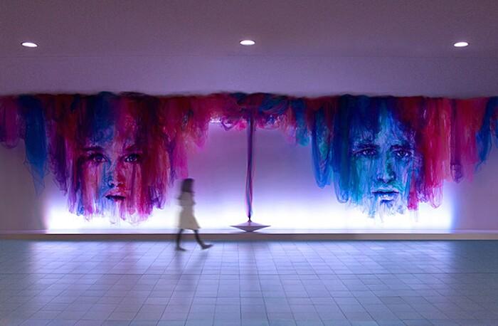 arte-installazione-tessuto-stoffa-tulle-volti-ballerini-benjamin-shine-04-keb