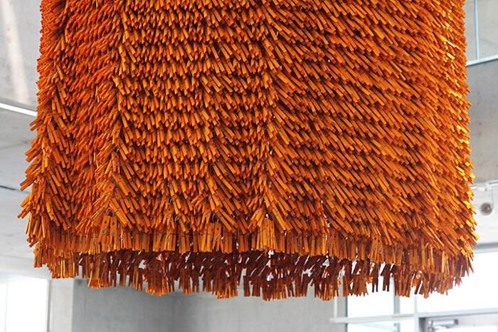 arte-scultura-mollette-per-bucato-legno-tornado-martin-huberman-normal-studio-7