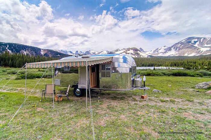 caravan-roulotte-vintage-airstream-casa-mobile-timeless-travel-trailer-4