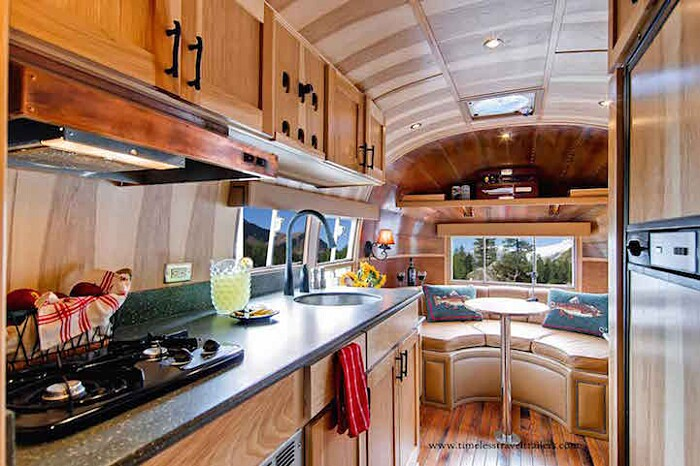 caravan-roulotte-vintage-airstream-casa-mobile-timeless-travel-trailer-7