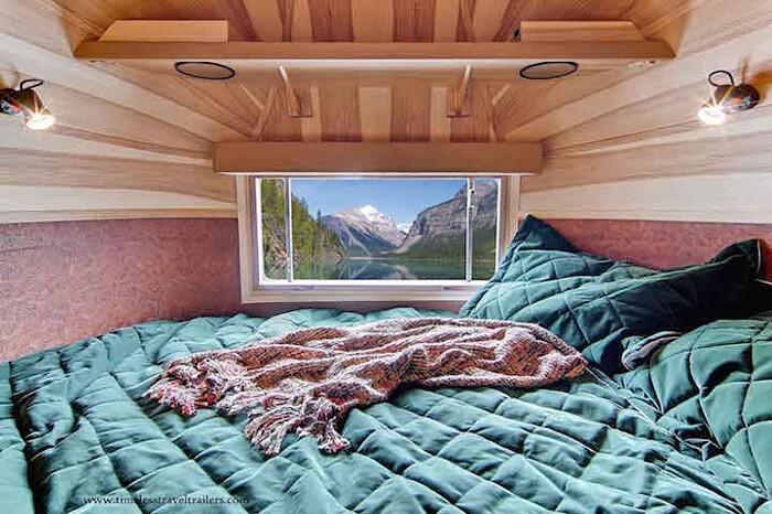 caravan-roulotte-vintage-airstream-casa-mobile-timeless-travel-trailer-9
