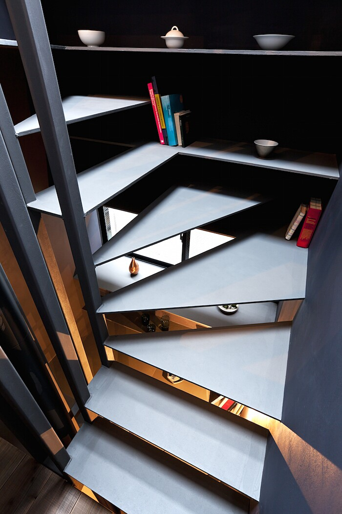 casa-stretta-minimalista-giappone-yuua-05