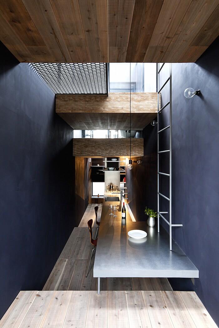 casa-stretta-minimalista-giappone-yuua-06