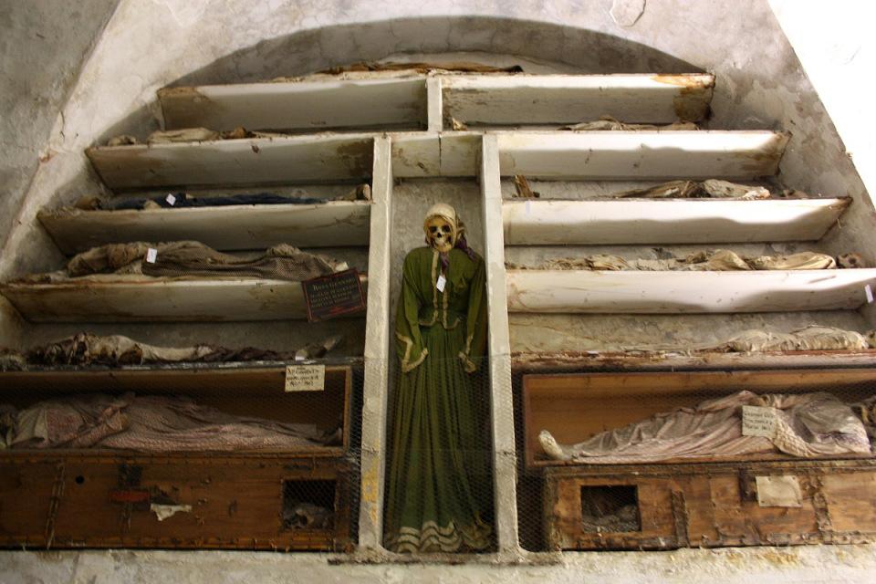 catacombe-cappuccini-palermo-scheletri-mummie-2