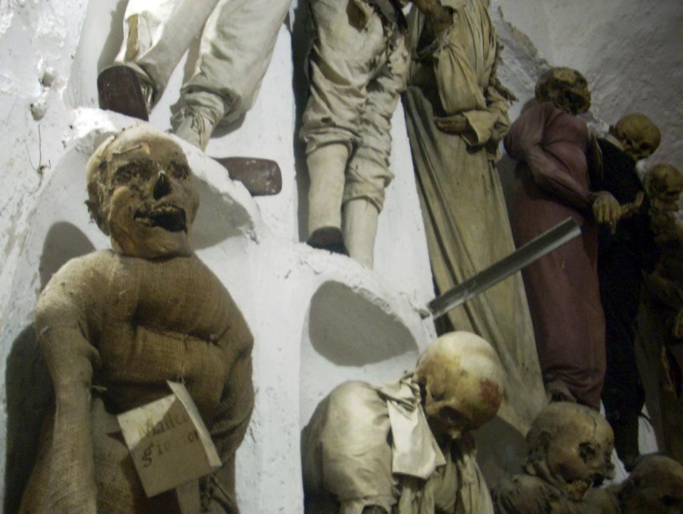 catacombe-cappuccini-palermo-scheletri-mummie-8