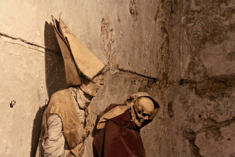 catacombe-cappuccini-palermo-scheletri-mummie-9