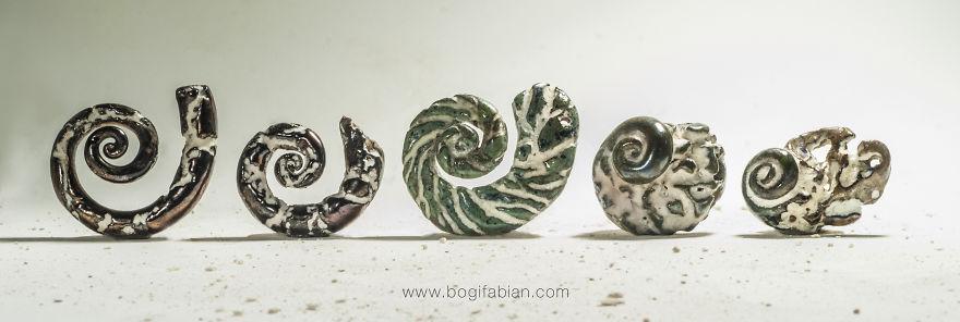 ceramiche-brillano-buio-bogi-fabian-01