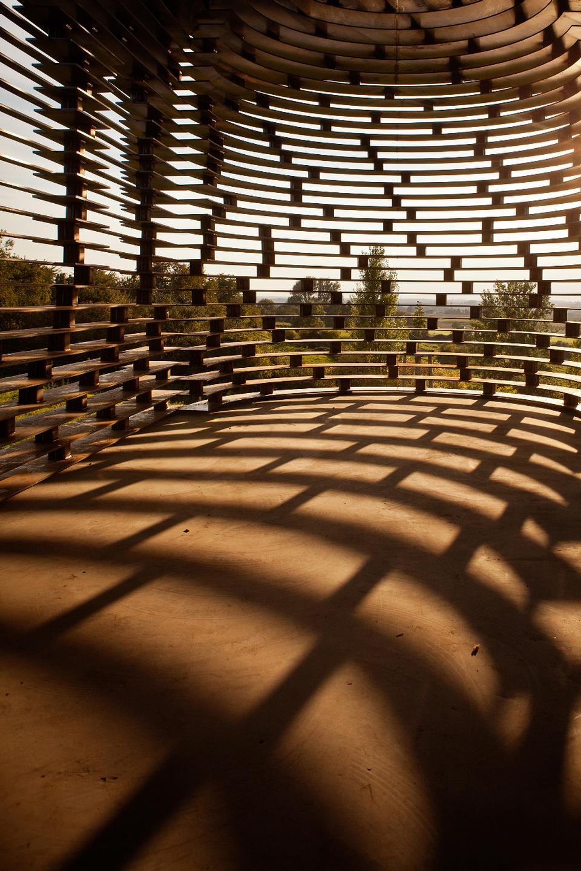 chiesa-trasparente-acciaio-architettura-belgio-gijs-van-vaerenbergh-05