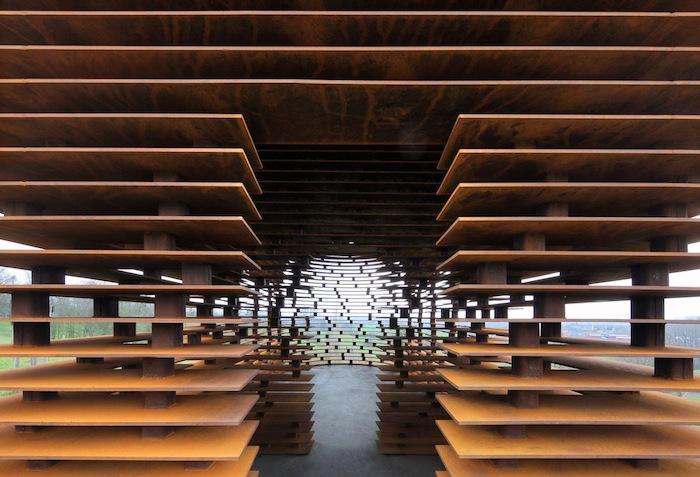 chiesa-trasparente-acciaio-architettura-belgio-gijs-van-vaerenbergh-10