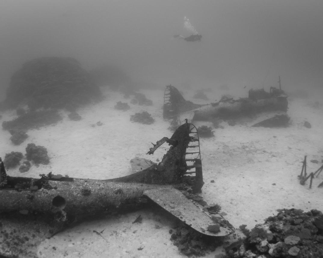 cimitero-sottomarino-aerei-seconda-guerra-mondiale-abbandonati-brandi-mueller-01