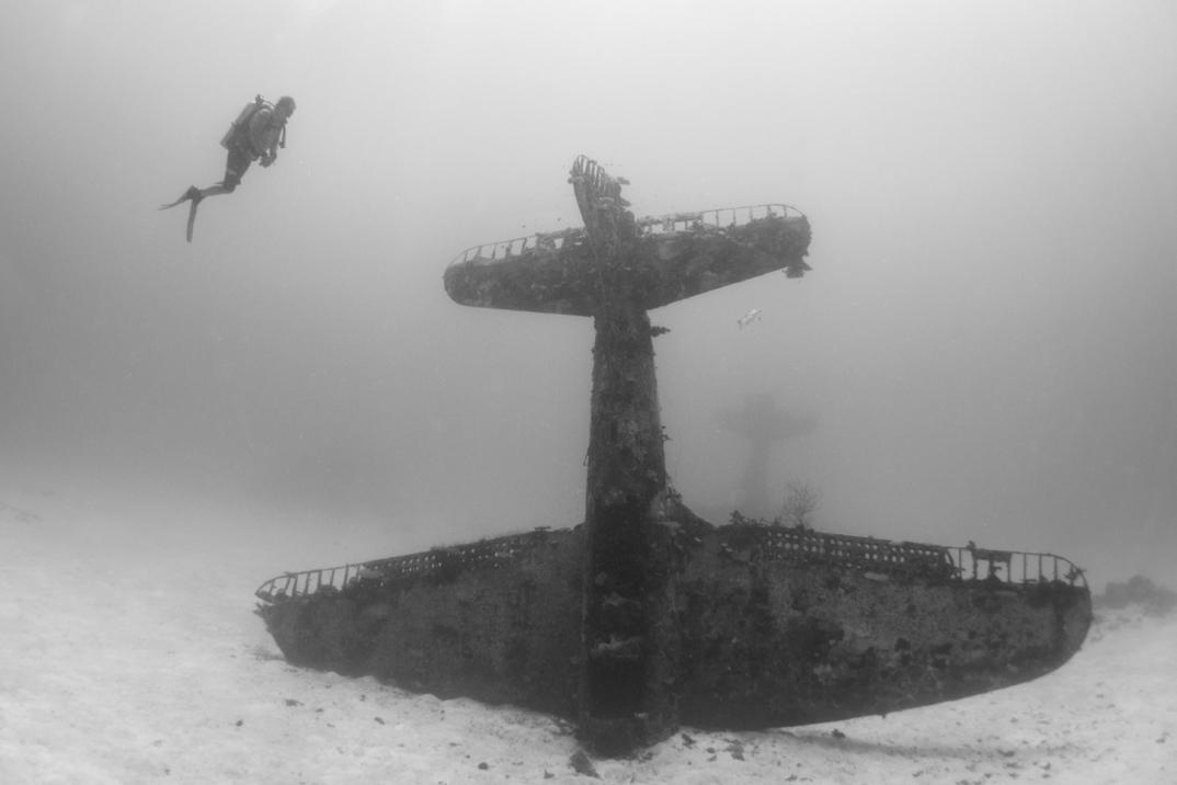 cimitero-sottomarino-aerei-seconda-guerra-mondiale-abbandonati-brandi-mueller-03