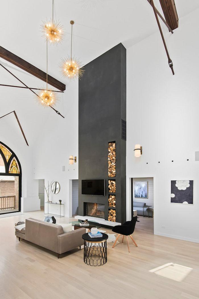 conversione-ristrutturazione-chiesa-sconsacrata-casa-moderna-vetrate-gotiche-07