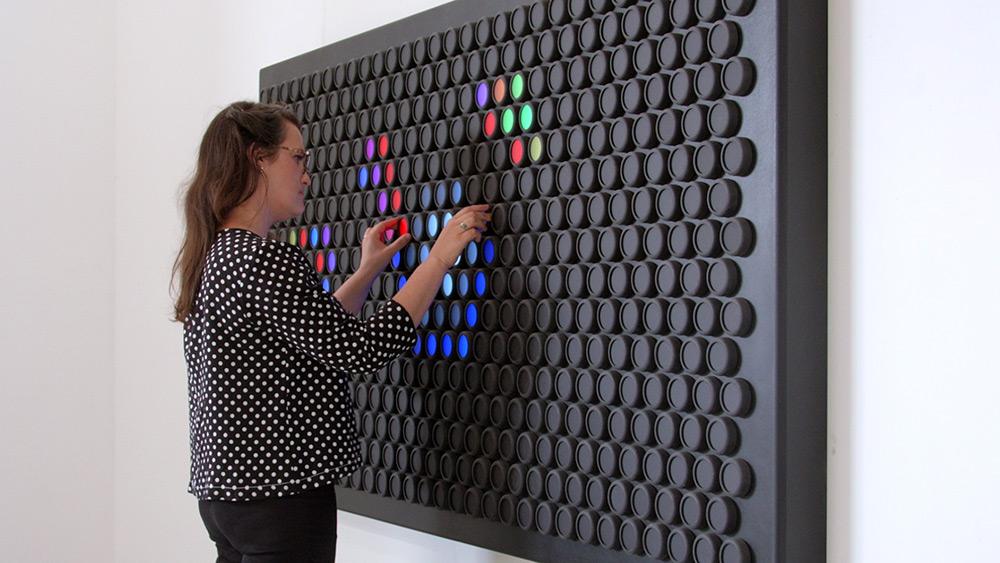 everlight-installazione-interattiva-colori-animati-hero-design-1