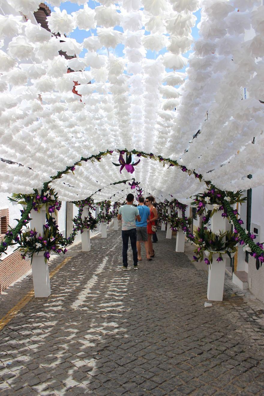 festival-fiori-carta-fatti-mano-alentejo-portogallo-01