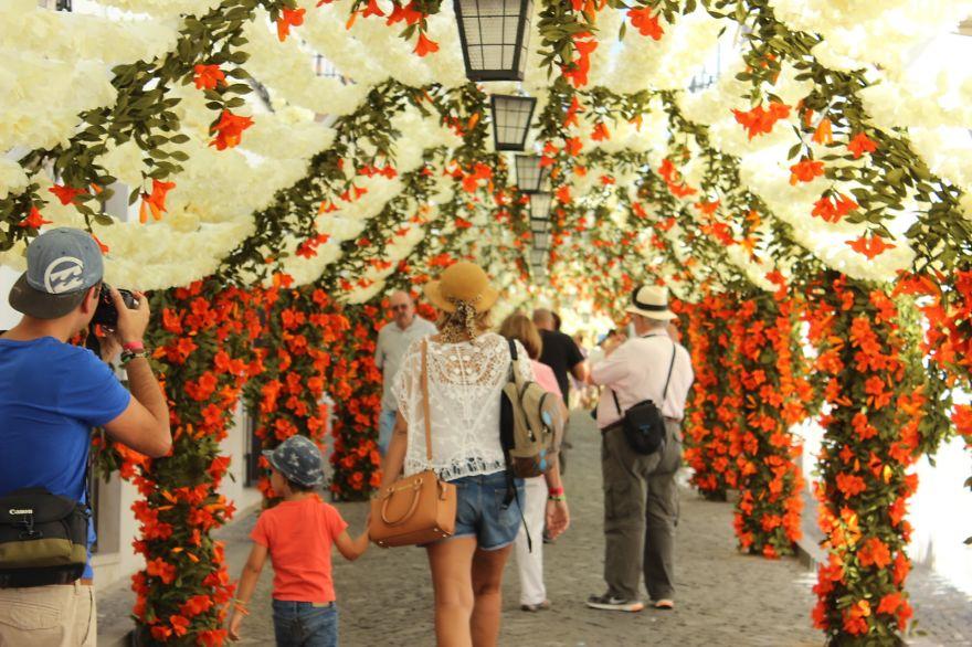 festival-fiori-carta-fatti-mano-alentejo-portogallo-05