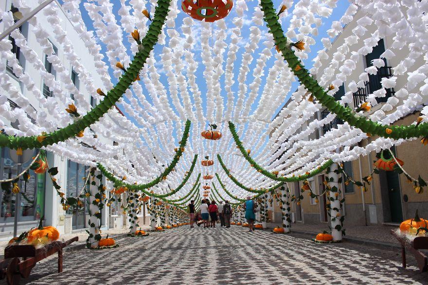 festival-fiori-carta-fatti-mano-alentejo-portogallo-07