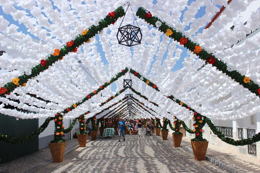 festival-fiori-carta-fatti-mano-alentejo-portogallo-08