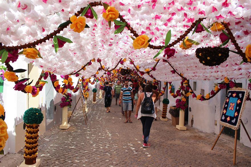 festival-fiori-carta-fatti-mano-alentejo-portogallo-14