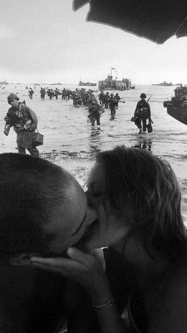 foto-bacio-spiaggia-bambino-gioca-palla-photoshop-scherzo-imgur-05