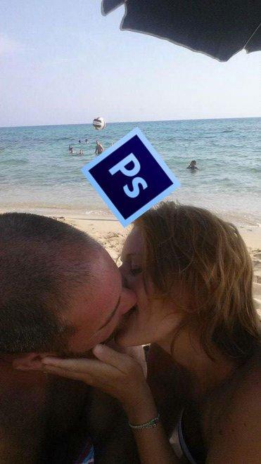 foto-bacio-spiaggia-bambino-gioca-palla-photoshop-scherzo-imgur-16