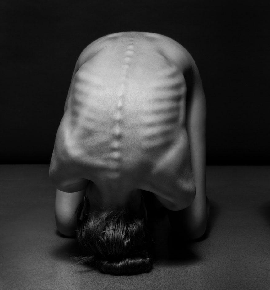foto-nudi-femminili-bianco-nero-bodyscapes-anton-belovodchenko-02