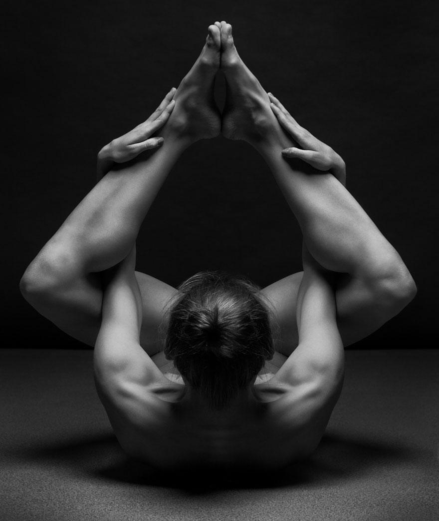 foto-nudi-femminili-bianco-nero-bodyscapes-anton-belovodchenko-04