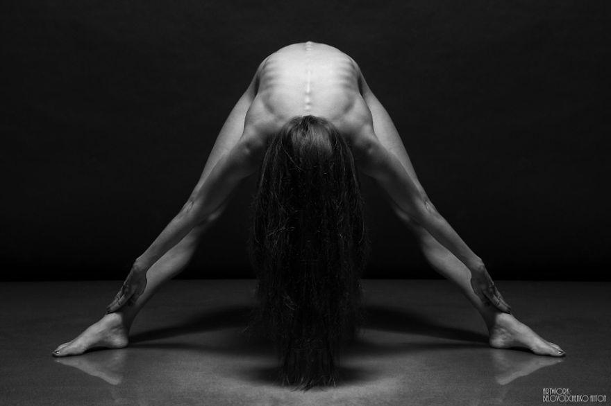 foto-nudi-femminili-bianco-nero-bodyscapes-anton-belovodchenko-17