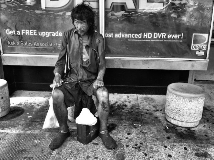 fotografa-documenta-vita-dei-senzatetto-e-trova-il-padre-diana-kim-06