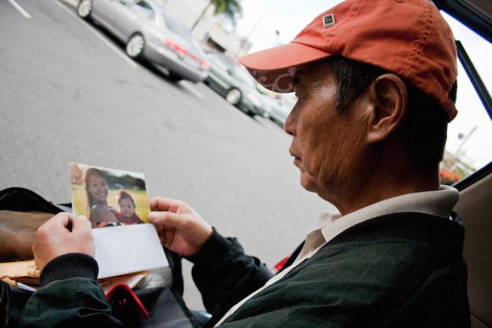 fotografa-documenta-vita-dei-senzatetto-e-trova-il-padre-diana-kim-12