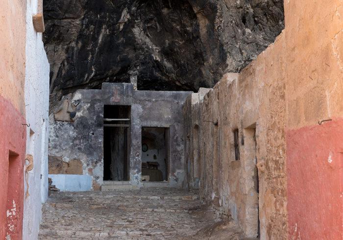 grotta-mangiapane-sicilia-borgo-antico-01