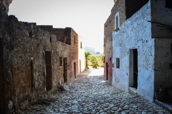 grotta-mangiapane-sicilia-borgo-antico-03