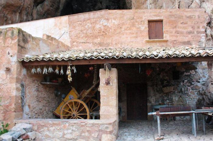 grotta-mangiapane-sicilia-borgo-antico-08